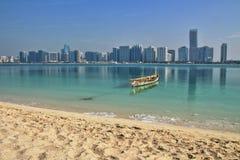 Sikt av horisonten av Abu Dhabi UAE Royaltyfri Bild
