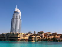 Sikt av hotellet adressen i den Dubai gallerian Royaltyfri Fotografi