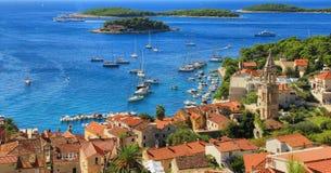 Sikt av Hvar, Kroatien royaltyfri fotografi