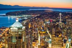 Sikt av i stadens centrum Seattle horisont Royaltyfria Foton