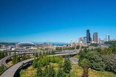 Sikt av i stadens centrum Seattle horisont Royaltyfri Foto