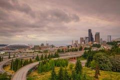 Sikt av i stadens centrum Seattle horisont Royaltyfri Fotografi