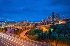 Sikt av i stadens centrum Seattle horisont Arkivbild