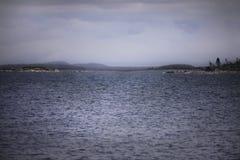 Sikt av ingången till fjärden mellan öarna Royaltyfria Foton
