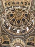 Sikt av inre av basilikan av St Josaphat, Milwaukee, Wisconsin, USA Royaltyfria Bilder