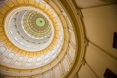 Sikt av inre av Texas State Capitol som lokaliseras i downt arkivfoto