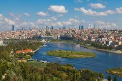 Sikt av Istanbul och det guld- hornet Arkivbilder