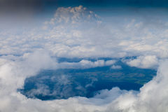 Sikt av jorden från det högsta berget i Thailand Royaltyfri Foto