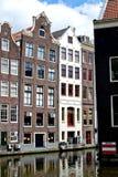 Sikt av kanalerna av Amsterdam Royaltyfri Bild