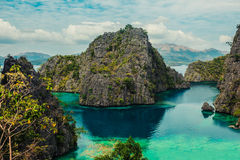 Sikt av Kayangan sjön i Coron, Filippinerna Arkivfoto