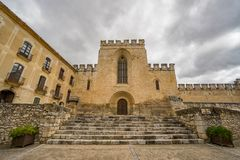 Sikt av kloster av Santes Creus Arkivfoton