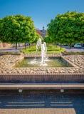 Sikt av kommunfullmäktigen E skåpbil Dronkelaarsquare i Almelo Nederländerna Royaltyfria Bilder