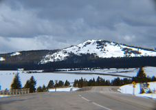 Sikt av korkade berg för snö i Colorado royaltyfria foton