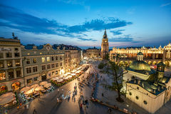 Sikt av Krakow, Polen på solnedgången Royaltyfri Fotografi