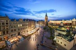 Sikt av Krakow, Polen på solnedgången Fotografering för Bildbyråer