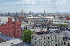 Sikt av Kreml och Moskvafloden Fotografering för Bildbyråer