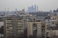 Sikt av Kreml och Moskvafloden Royaltyfria Bilder