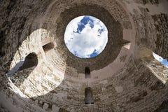 Sikt av Kroatien Härlig stadssplittring diocletian slott Arkivfoton