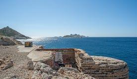 Sikt av kusten av Marseille i södra Frankrike Arkivfoton