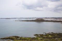 Sikt av kusten från helgonmalo Royaltyfri Foto