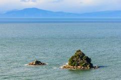 Sikt av kustlinjen i Abel Tasman National Park, Nya Zeeland Royaltyfri Foto
