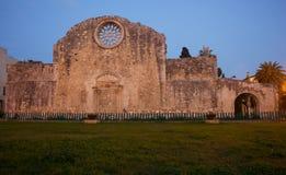 Sikt av kyrkan av St John katakomberna, Syracuse Arkivfoton