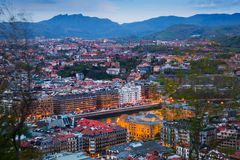 Sikt av LaConchastranden i skymning på San Sebastian Royaltyfri Foto