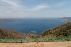 Sikt av Laguna de Apoyo, Nicaragua royaltyfri foto