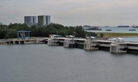 Sikt av lagunhavet och byggnader Arkivbild
