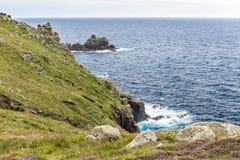 Sikt av lands slut i Cornwall Arkivfoton