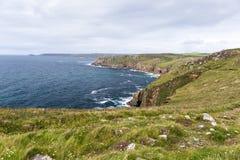 Sikt av lands slut i Cornwall Arkivbild