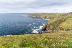 Sikt av lands slut i Cornwall Royaltyfria Foton