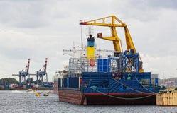 Sikt av lastport i Rotterdam Royaltyfri Bild