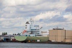 Sikt av lastport i Rotterdam Arkivfoton