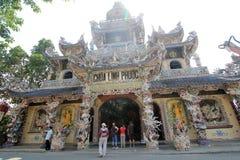 Sikt av Linh Phuoc Pagoda Royaltyfri Bild