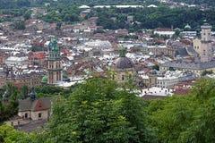 Sikt av Lviv från slottkullen, Ukraina Arkivbild