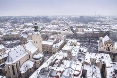 Sikt av Lviv från taket av stadshuset Arkivfoton