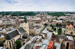 Sikt av Lviv från taket av stadshuset Royaltyfria Foton