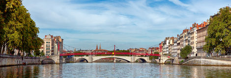 Sikt av Lyon med Saone River Arkivbild