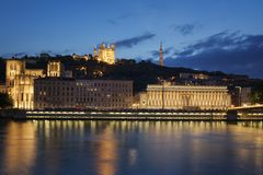 Sikt av Lyon vid natt france Royaltyfri Bild