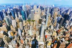 Sikt av Manhattan från däcket för observation för skyskrapa` s Nya Yo arkivfoto