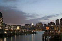 Sikt av Manhattan från den Long Island staden Arkivfoto