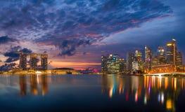Sikt av Marina Bay sander på soluppgång i Singapore Royaltyfria Foton