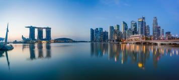 Sikt av Marina Bay sander på soluppgång i Singapore Arkivfoto