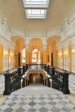 Sikt av marmortrappa i den stora Gatchina slotten Arkivbilder
