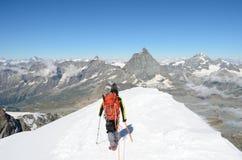 Sikt av Matterhorn från den Breithorn toppmötet, Zermatt, Schweiz Royaltyfria Foton