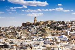 Sikt av Medinaen och slottkasbahen av Tunisien i Sousse. Arkivbilder