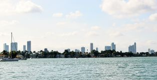 Sikt av Miami från Miami Beach Fotografering för Bildbyråer