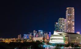 Sikt av Miami på natten, Florida, USA Royaltyfri Bild