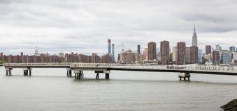 Sikt av MidtownManhattan horisont arkivfoton